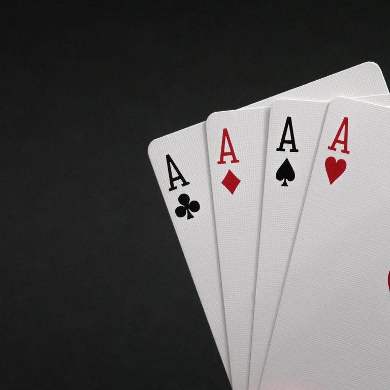 cards-4423526_1920